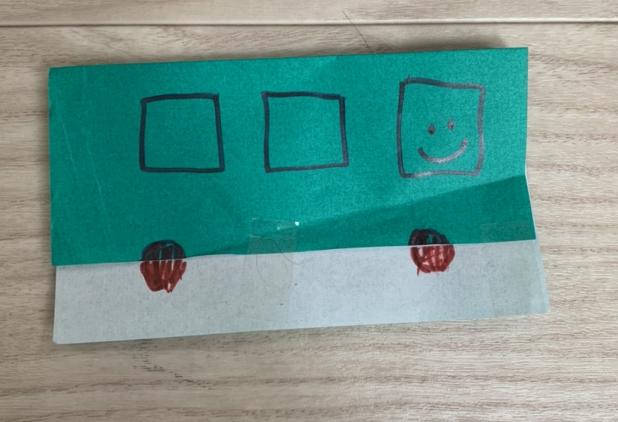 一回で折れる折り紙(バスを折った1歳でも出来る折り紙)