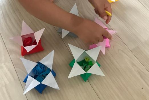折り紙で折り鶴を折るステップ知育の折り紙